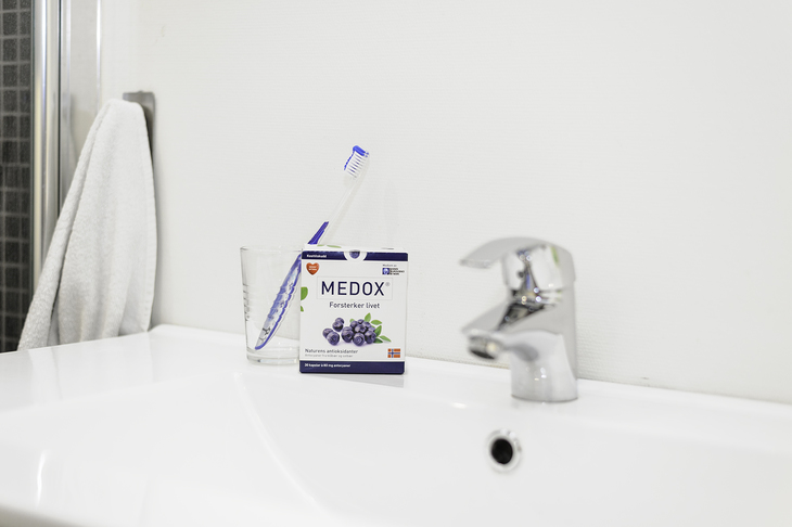 Medox på badet sammen med tannbørsten